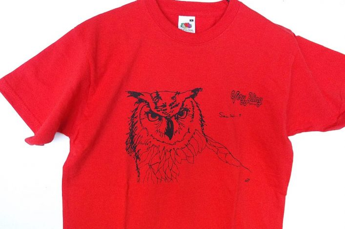 T-shirt printed front & back (owl/logo)
